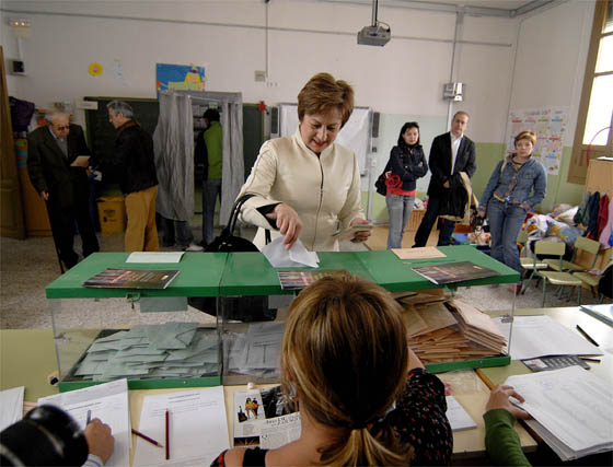 Galería gráfica: Los representantes políticos granadinos en las urnas