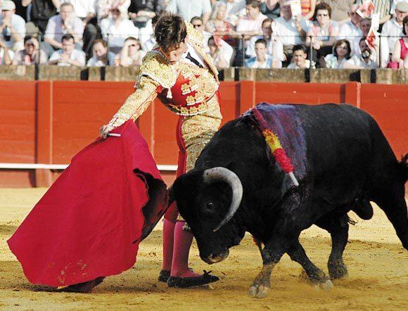 César Girón: Debutante en la Feria de Sevilla