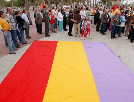 Galería gráfica: Homenaje a las víctimas almerienses del nazismo