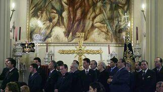 Asistentes a la misa preparatoria del Vía Crucis.  Foto: Antonio Pizarro