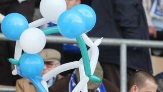 Los aficionados xerecistas, aprovechando el Carnaval, se lo pasaron en grande en   Foto: Juan Carlos Toro