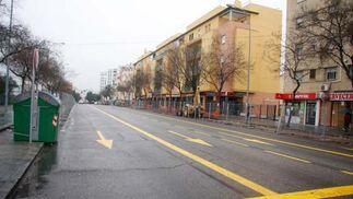 Avenida de Llanes con los carriles en sentido úncio.  Foto: Victoria Hidalgo