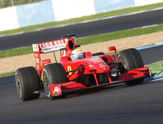 Felipe Massa (Ferrari) arrebató en el último tramo de los entrenamientos la segunda plaza a Fernando Alonso.  Foto: J. C. Toro