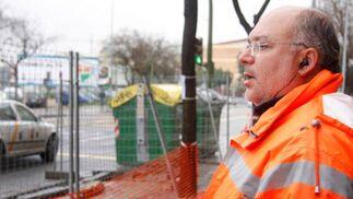 Un operario observa las obras que se están llevando a cabo.  Foto: Victoria Hidalgo