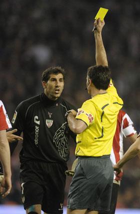 El portero del Athletic de Bilbao vió una tarjeta amarilla.  Foto: Félix Ordóñez/Agencias