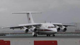 La hija de Isabel II aterrizó en el aeropuerto de Gibraltar con puntualidad británica, a las cuatro y media de la tarde  Foto: Paco Guerrero