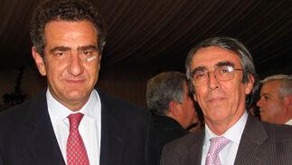 Luis Mora-Figueroa, director de financiación de MP Corporación y Alfredo Álvarez Tello, socio director del bufete Montero-Aramburu.  Foto: VICTORIA RAMIREZ