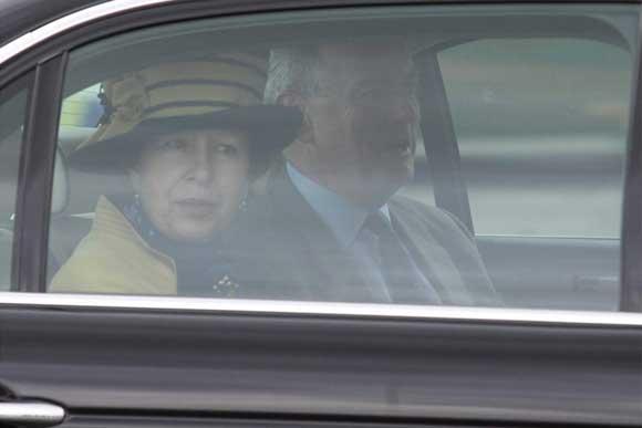 La Princesa abandonó el aeropuerto en un coche oficial  Foto: Paco Guerrero