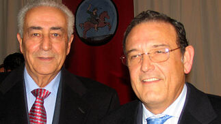 Ramón Vila y José Baena, médico y anestesista de la Real Maestranza, respectivamente.  Foto: VICTORIA RAMIREZ