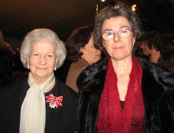 Marquesa viuda de Tablantes e Isabel Solís, presidenta del Banco de Alimentos de Sevilla.  Foto: VICTORIA RAMIREZ