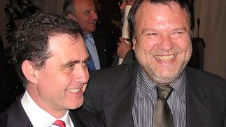 El rector de la Universidad Hispalense, Joaquín Luque y Alfredo Sánchez Monteseirín, alcalde de Sevilla.  Foto: VICTORIA RAMIREZ