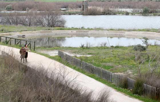 Sobre el entorno natural se han habilitado varios caminos para los visitantes.  Foto: Belen Vargas