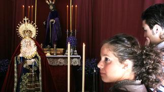 María Santísima de Gracia y Esperanza estuvo en ceremonia de besamanos en la parroquia de San Benito.  Foto: Vanesa Lobo