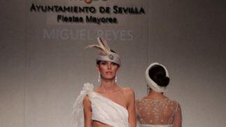 Una de las propuestas del diseñador Miguel Reyes para la próxima temporada.  Foto: Martin Okuemotto