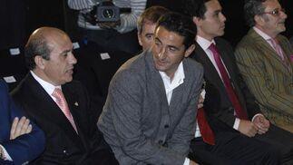 Del Nido y Jiménez conversan tranquilamente durante el desfile.  Foto: Manuel Gomez