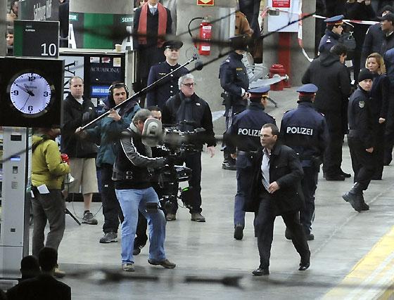 Peter Sarsgaard durante el rodaje del filme 'Knight&Day' en la estación de Santa Justa.  Foto: Juan Carlos Vázquez