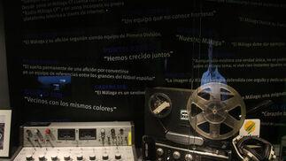 El Málaga ha instalado en los bajos de La Rosaleda un tour en el que repasa su historia  Foto: Javier Albinana