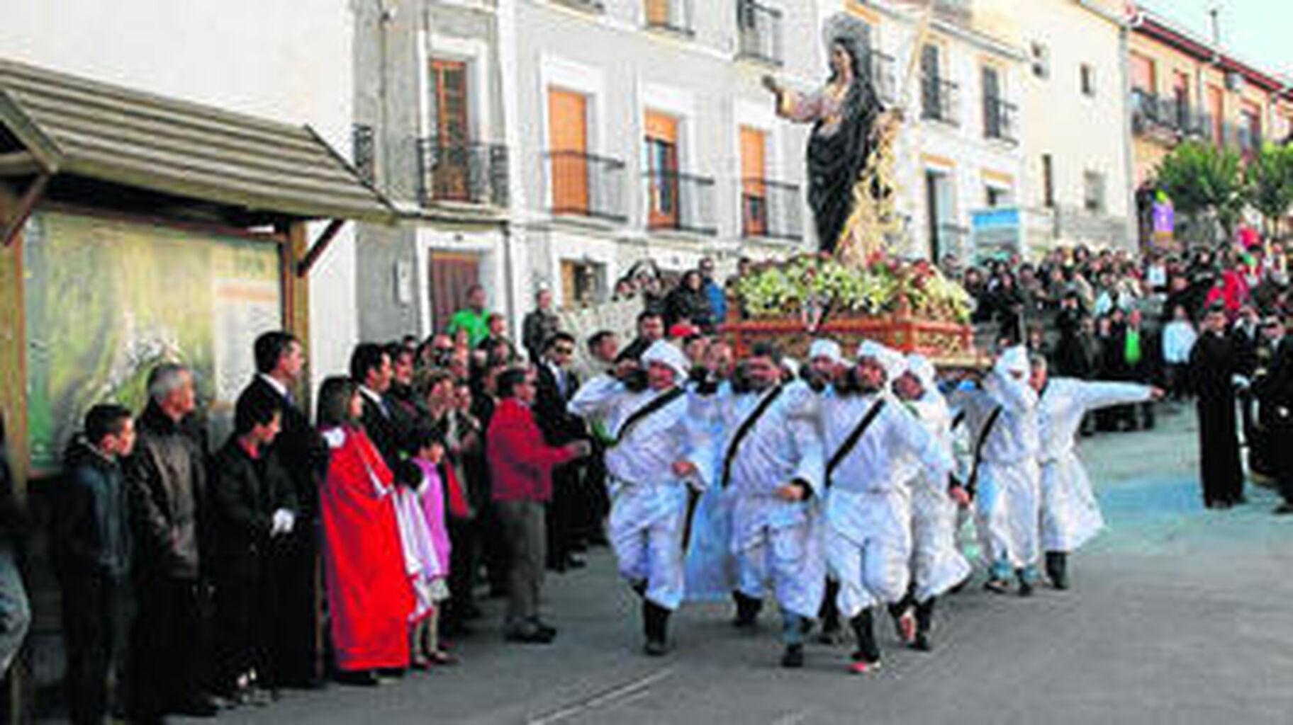 Tradición y paisaje avalan a la Semana Santa de la localidad