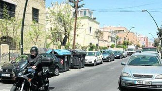 La nueva zona azul despeja de coches el centro y satura el for Centro de salud ciudad jardin almeria