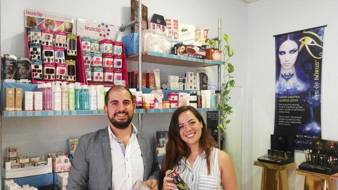 Los socios fundadores de Hola Princesa, Ulises Guillén y Leticia Torres.