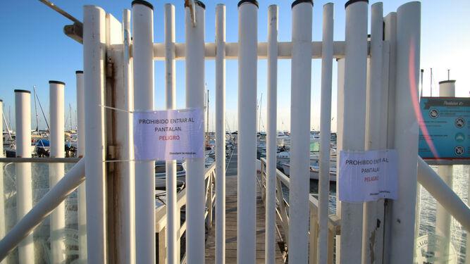 Pantalán roto en el Club de Mar