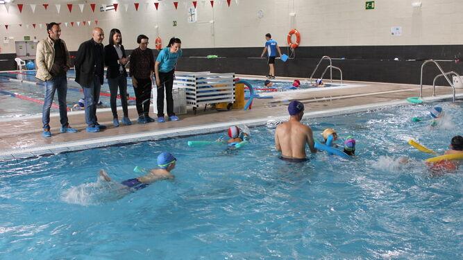 La piscina municipal acoge los talleres del programa for Piscina municipal almeria