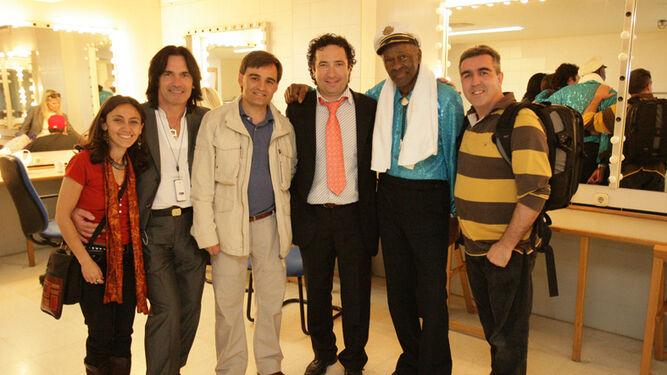 Chuck Berry durante el concierto de Almería acompañado por su hijo Charles Berry.