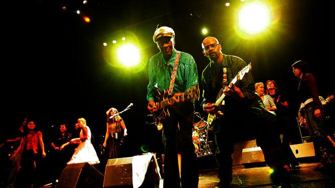 Chuck Berry, Carlos J. López, Diego Bravo y su manager, Patrick Rocher.