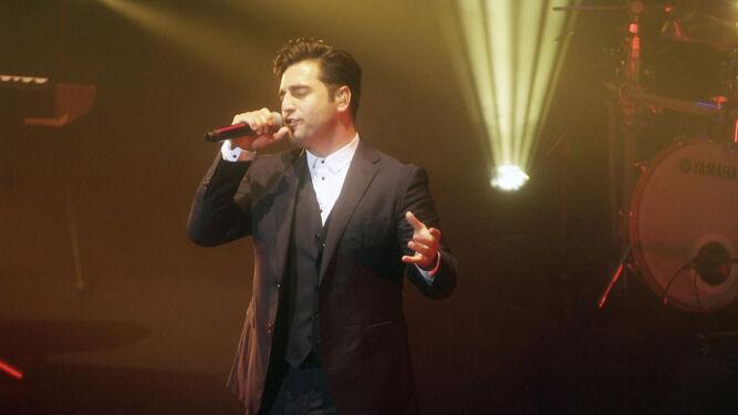 David Bustamante durante su concierto en Roquetas.