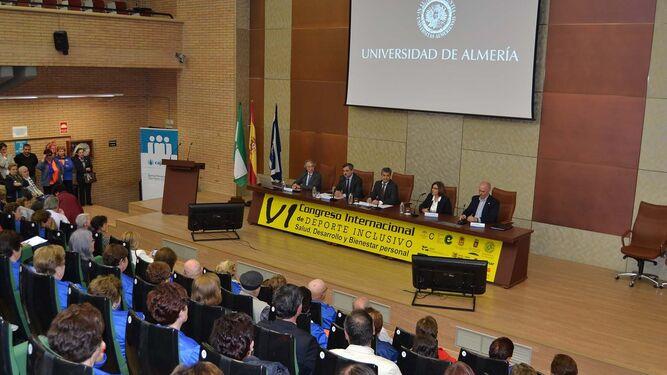 Autoridades en la mesa inaugural que contó con la presencia del rector de la UAL, Carmelo Rodríguez.
