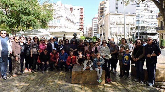 Casi 100 personas descubren los recovecos de las Murallas de Jayrán