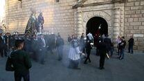 Las imágenes de Rosario del Mar llegando a la Parroquia de San Juan.