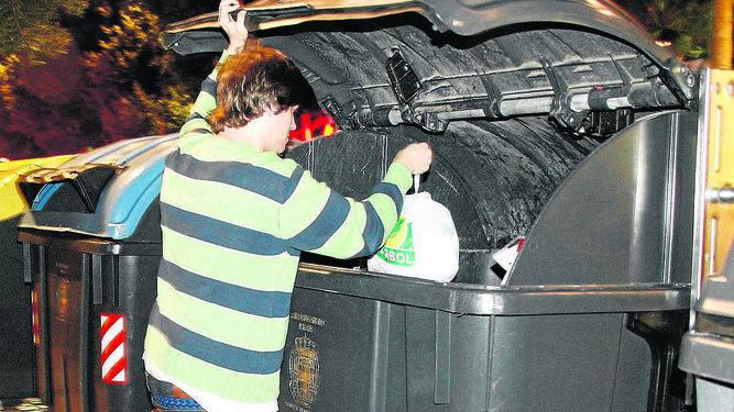 sacar la basura tiene desde mañana martes nuevo horario y multas