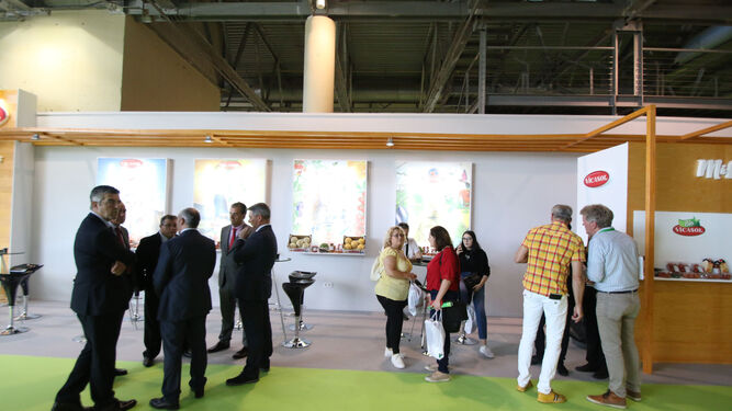 El estand de Vicasol fue uno de los más concurridos con visitas continuas de sus socios para hablar de la campaña.