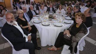 Eugenio Cosgaya, Mimi Caro, José Aguilar, Francisco Rodríguez, María Martín, Ignacio Martínez, Lalia González-Santiago, Amparo Rubiales, Víctor Pérez Escolano, Guillermo Vázquez Consuegra y Elena Laredo.