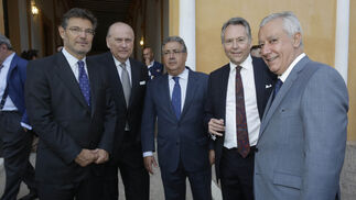Rafael Catalá, José Moya, Juan Ignacio Zoido, José Joly y Javier Arenas, vicesecretario general del PP.