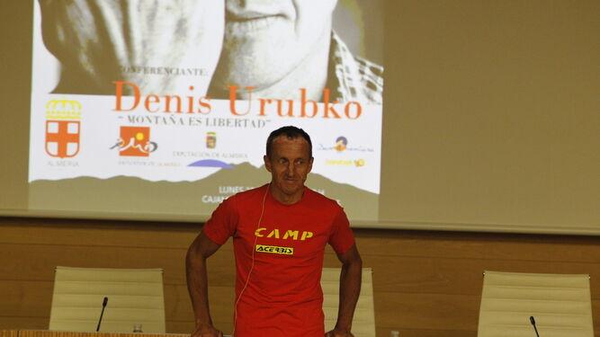 Denis Urubko, el alpinista de los 14 ochomiles en una conferencia