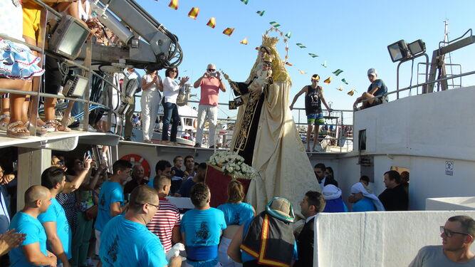 Pescadería se vuelca con su Patrona en su procesión marítimo-terrestre
