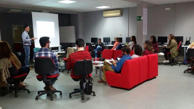 Imagen de una de las actividades realizadas por uno de los centros Guadalinfo de la provincia de Almería.