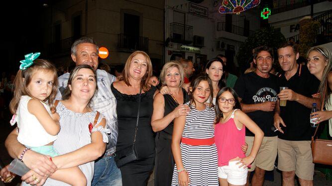 Animadas verbenas en  las plazas de los barrios fiñañís