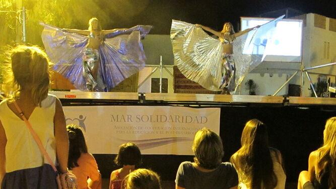 Danzas árabes durante el desarrollo del Festival Entrepitas.