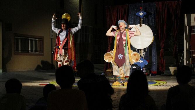 Uno de los grandes espectáculos de la 'Noche en vela' celebrado en Adra.