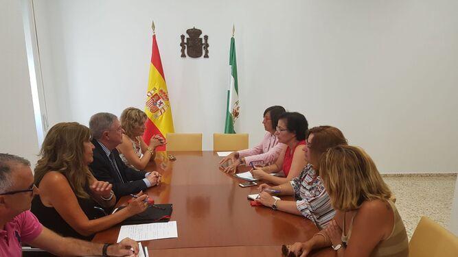 Reunión entre los operadores judiciales de la provincia, entre ellos la presidenta de la Audiencia, Lourdes Molina, y la consejera de Justicia de la Junta.