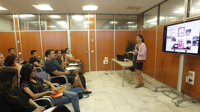 Los jóvenes han recibido información sobre la calidad, estilo de vida y aspectos laborales de los países representados.