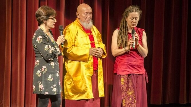 El musical 'Si Buda fuera tu vecino' llena de bailes el Maestro Padilla