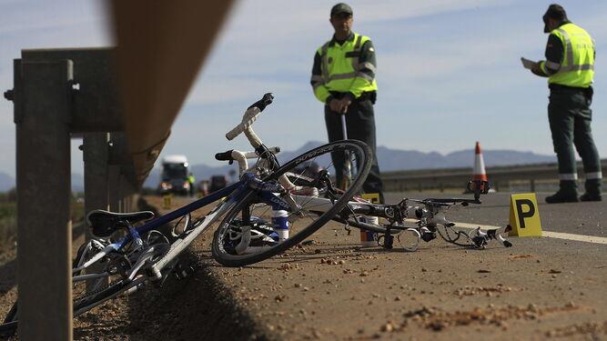 Estado en el que suelen quedar bicicletas en un accidente en el que vehículos sobre cuatro ruedas también se ven involucrados.