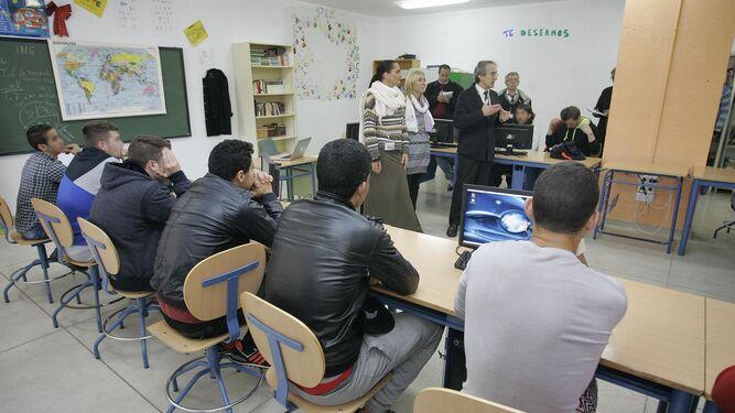 Una terapia llevada a cabo en la Prisión Provincial El Acebuche (archivo).