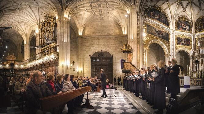 La Coral canta  a la Navidad en La Catedral