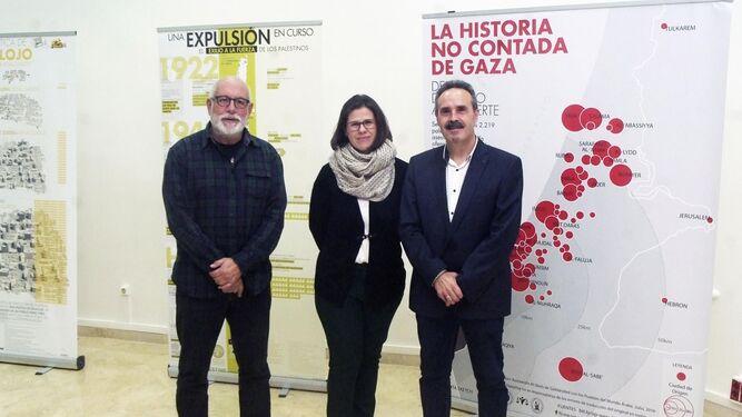Alfredo Valdivia junto a Francisca Cruz y Manuel Sola en la Villaespesa.