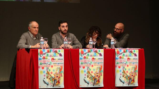Nicolás Castillo, Carlos Sánchez, María del Mar Cortés y Francisco Lozano durante el sorteo.